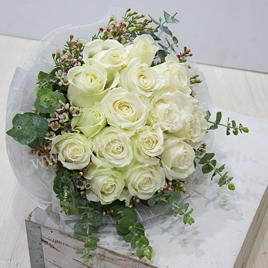 Hand Bouquet White Roses
