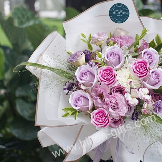 Hand Bouquet Mix Pink Roses