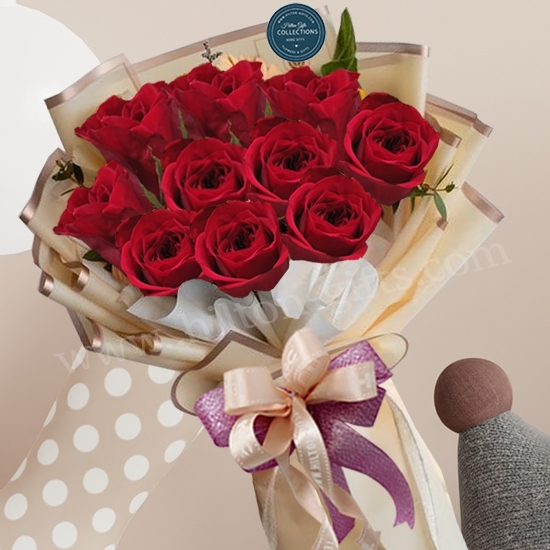 Hand Bouquet Red Roses