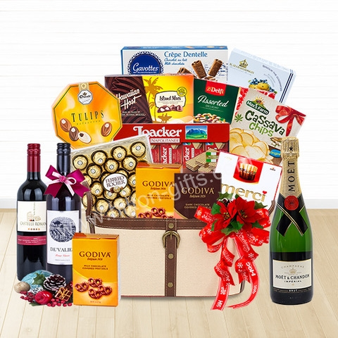 Christmas Moet & Wine & Chocolate Hamper