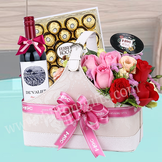 Wine hamper with  Leather